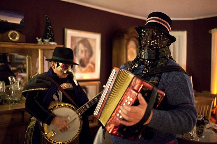 Living Rooms Mummers