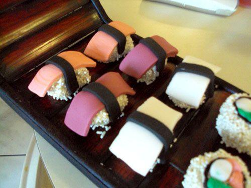sushi cupcakesCute Cupcakes, Creative Ideas, Sushi Cupcakes Cut, Cupcakes Anyone, Creative Cupcakes, Cupcakes Frenzy
