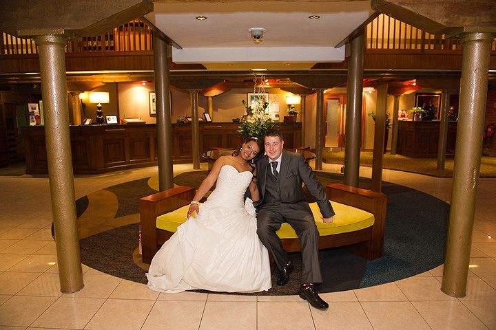 The Bride and and Groom in the lobby, a lovely photograph opportunity #weddings #mcr #marriott #manchester #mcrmarriottva
