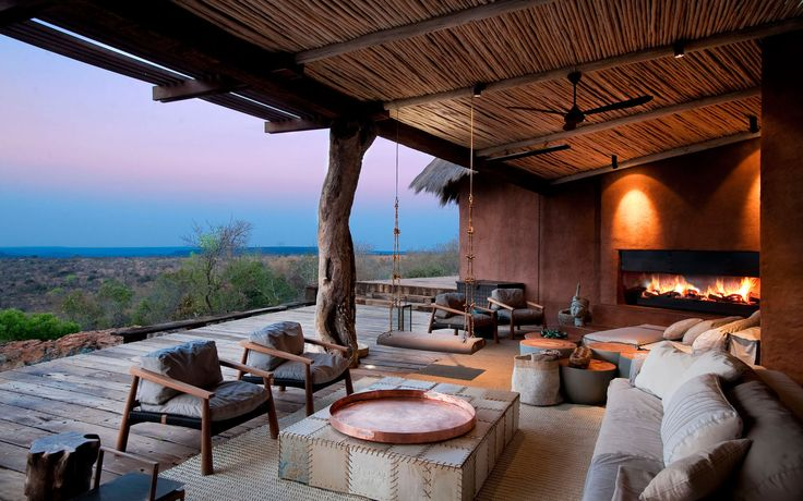 One of Cemcrete's 2017 design trends are Earth Child and Cemcrete takes you on a tour of none other than the Waterberg Observatory in Leobo Lodge featuring Cemcrete finishes.