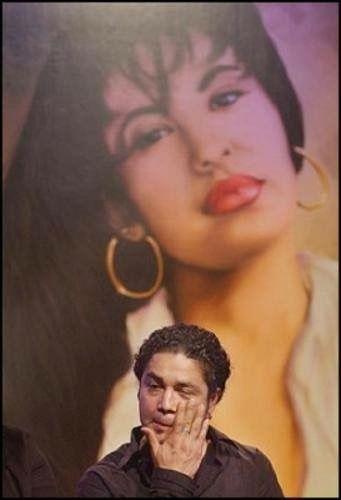 Love lives on for Selena!