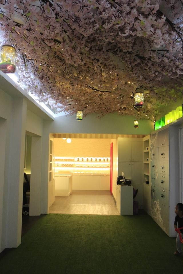 Hall Art Cafe & Restaurant