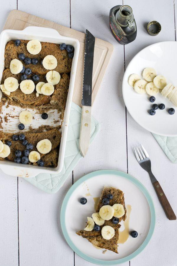 Wentelteefjes uit de oven met banaan en bosbessen   makkelijk verwen ontbijt   via brendakookt