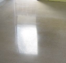 Garage Floor Polishing  How to Polish Concrete Garage Floors  Having concrete floors at home is actually an investment. It certainly adds beauty and elegance to your home. However, you have to maintain concrete floors in order to keep them beautiful. For some this is a tedious task so they simply contact a professional and let them do the job.
