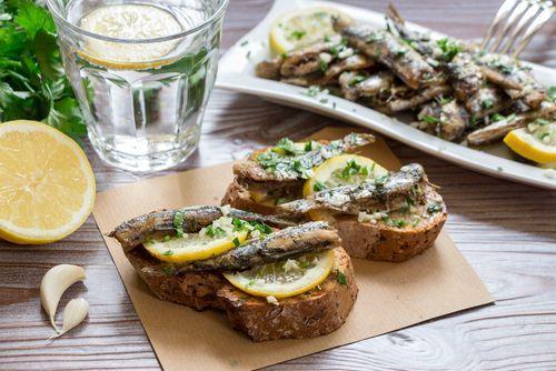 Sardinas con ajo y perejil ¡Una tapa exquisita!    #SardinasConAjoYPerejil #Sardinas #RecetaSardinas #CocinaEspañola #RecetasFaciles