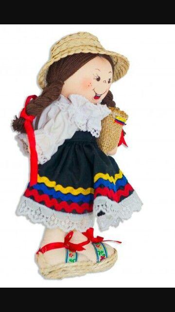 Colombian Artesanal Doll Muñeca Colombiana hecha a mano