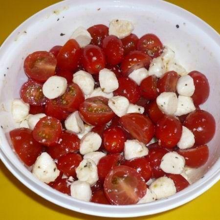 Mozzarellás paradicsomsaláta Recept képpel - Mindmegette.hu - Receptek