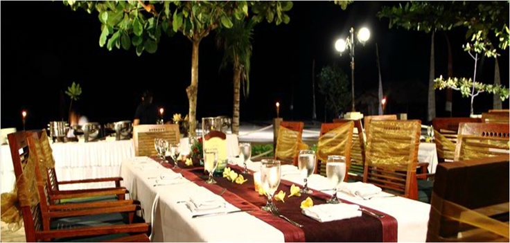Such an enchanted setting with a magnificent backdrop of the Indian Ocean makes Ma Joly a project destination for couples, friends or groups seeking an intimate and unique place for hosting parties or special events.