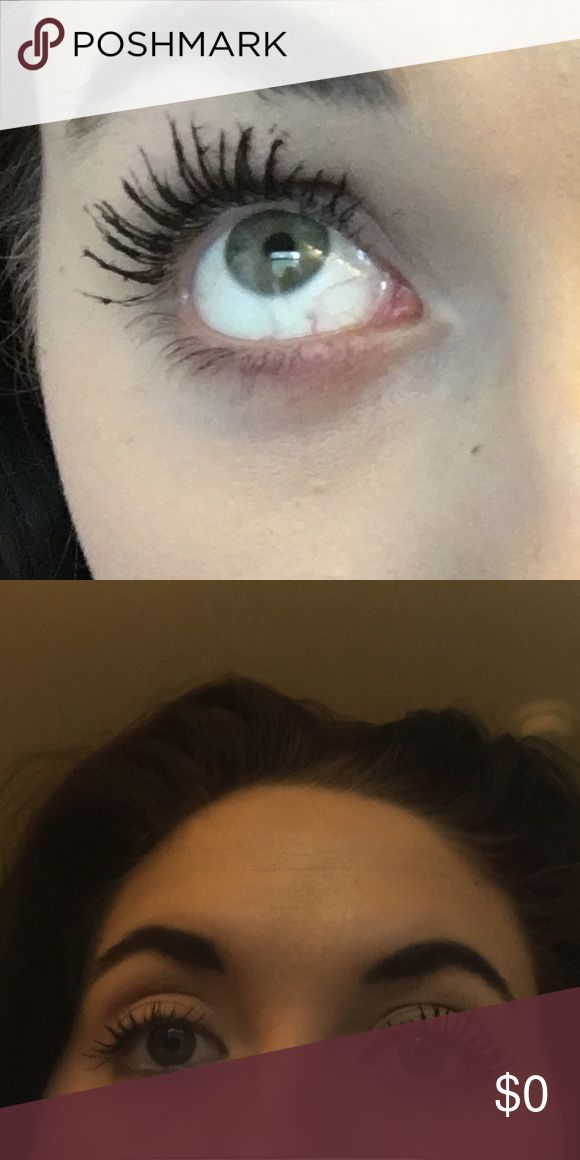 Younique 3D Fiber Lash Mascara! The second picture shows the 3D Fiber Mascara next to drug store mascara! Comment below if you are interested or go to www.youniqueproducts.com/AshleyPearlHouston to purchase this product and many other amazing beauty products!💋 Makeup Mascara