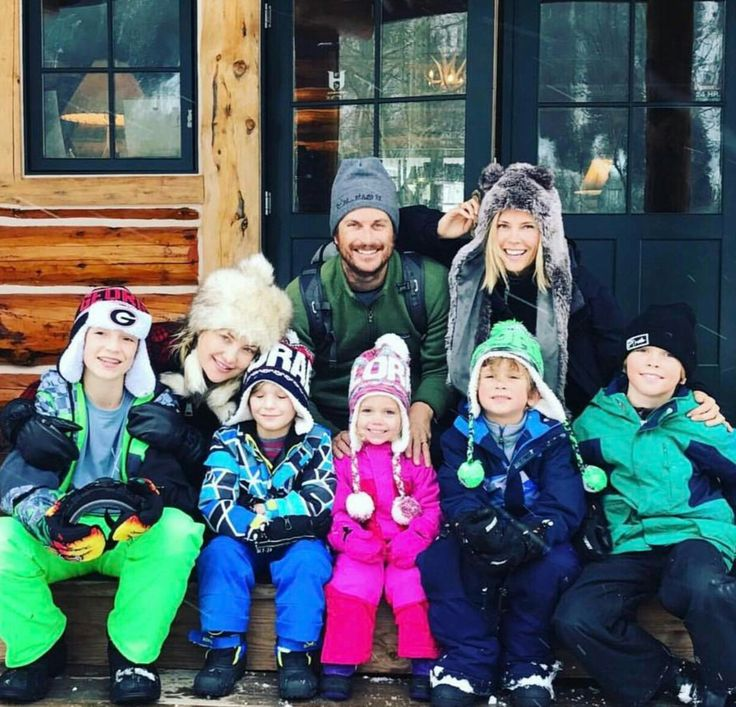 Kate Amanda Oliver Hudson and their family.