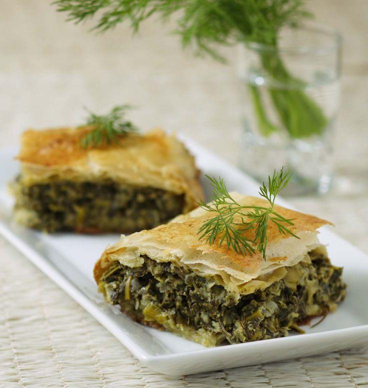 Feuilletés aux épinards et à la feta (Grèce), la recette d'Ôdélices : retrouvez les ingrédients, la préparation, des recettes similaires et des photos qui donnent envie !