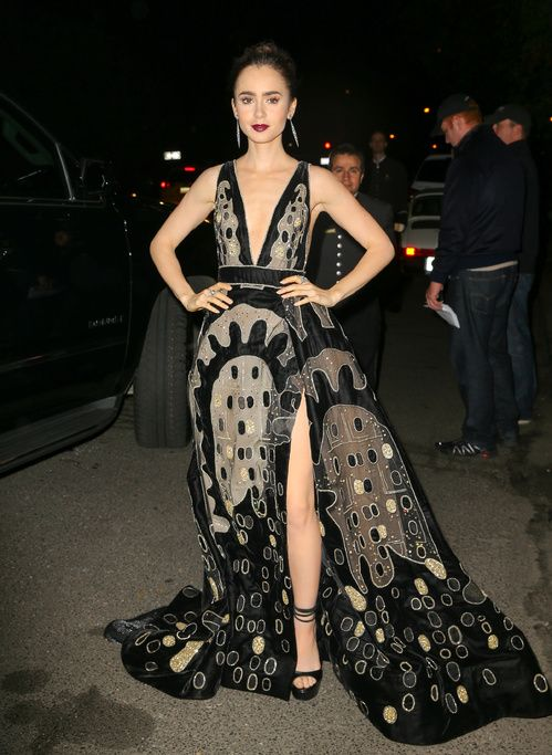 Lily Collins en Elie Saab à New York