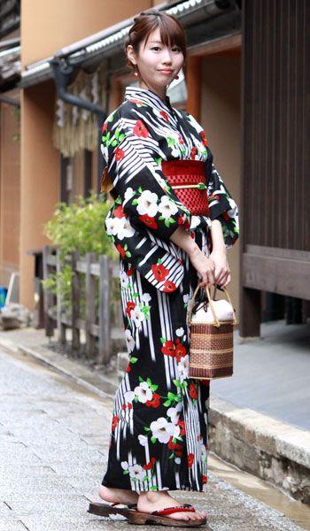 浴衣単品黒地矢絣に椿女性レディースゆかたyukata和装和服古典夏祭り花火大会《emくい》《161001A1》《KZ》