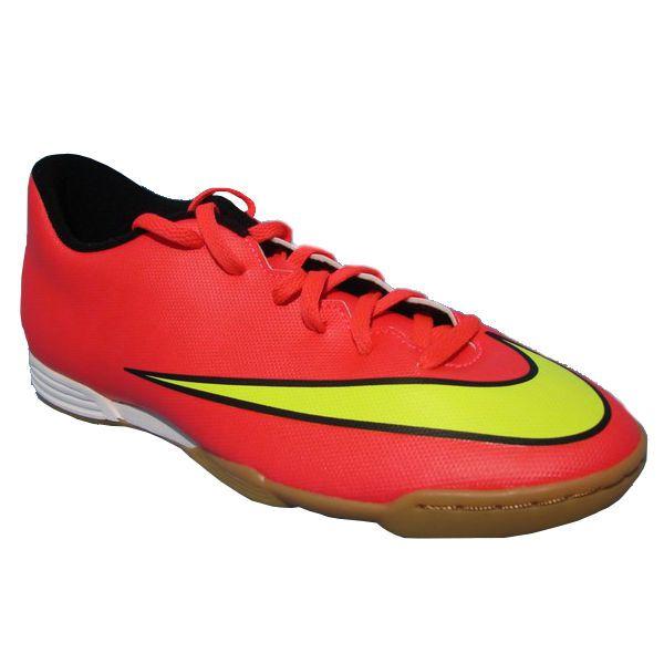 Sepatu Futsal Nike Mercurial Vortex II IC 651648-690 sepatu futsal yang berbahan synthetic leather upper yang didesain stylish dengan polyurethane midsole, dan solid rubber outsole untuk memberikan kenyamanan. Harga sepatu ini Rp 729.000.