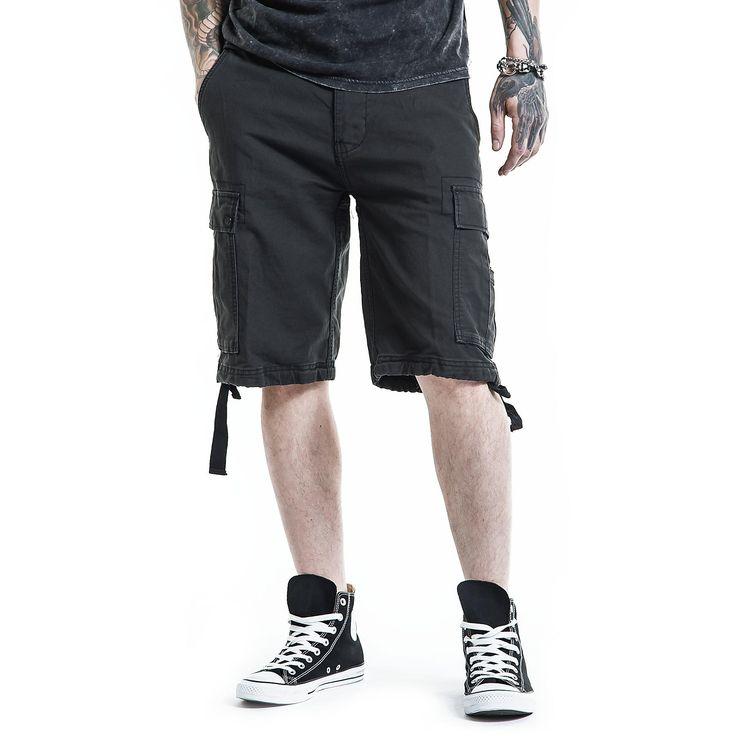 """Pantaloncini in stile Vintage """"Vintage Shorts"""" della collezione Black Premium by EMP neri, lunghi fino al ginocchio con tasche laterali e taglio Loose Fit. Oltre alle classiche tasche laterali, i pantaloncini sono dotati anche di tasche sulle gambe e vi assicurano molto spazio per le vostre cose."""