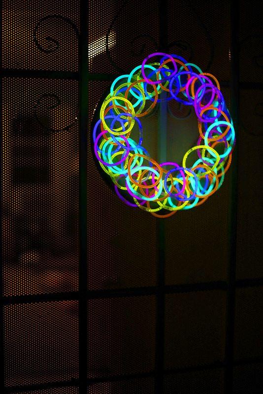 best 25 glow sticks ideas on pinterest diy neon party diy blacklight party and glow stick party - Glow Sticks For Halloween