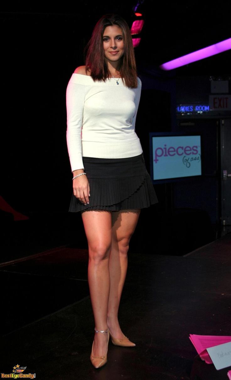 Jamie Lynn Sigler Leg Show In 2019 Mini Skirts
