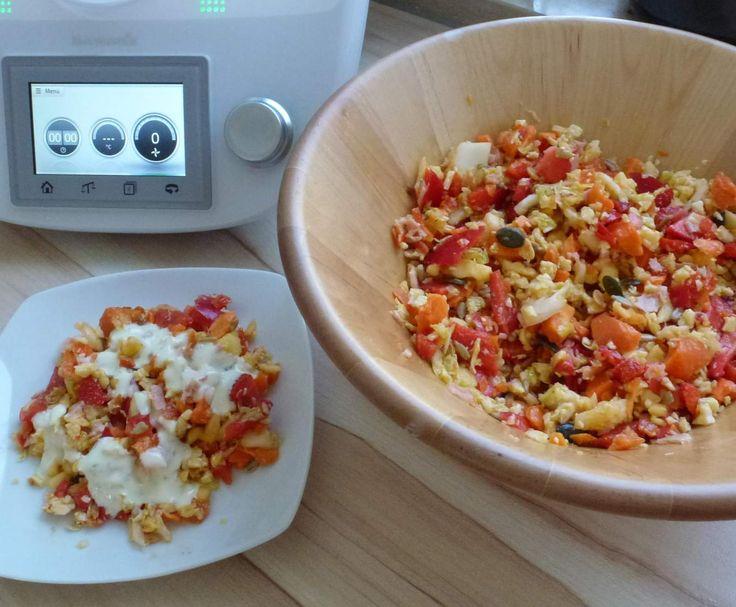 Rezept süsser fruchtiger Sommersalat mit Joghurtdressing, Rohkostsalat von Mia.Stella - Rezept der Kategorie Vorspeisen/Salate