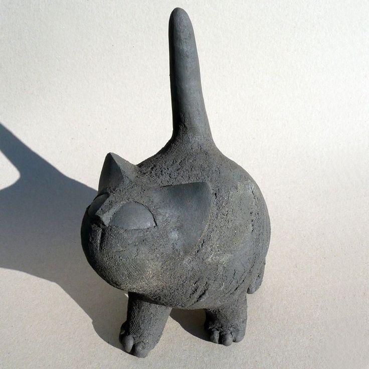 Que veux-tu petit chat gris ? / Céramique. / By Christian Pradier.