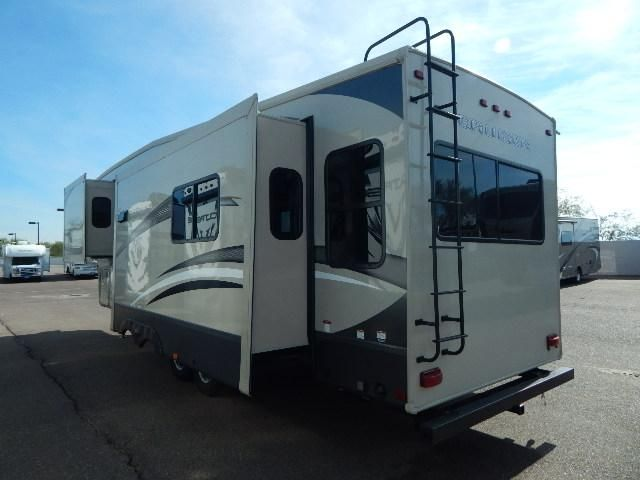 2016 New Crossroads Cruiser 303SE Fifth Wheel in Arizona AZ.Recreational Vehicle, rv, 2016 Crossroads Cruiser303SE, 18 cu. ft. Residential Refer w/Inverter, 2nd A/C, Decor- Capuccino, MaxFan-Bathroom, RVIA Seal, Select Package , Winterization,