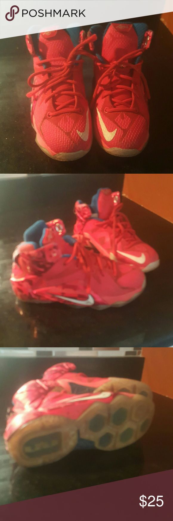 Lebron James/ 12/ USA laces are frayed / some normal wear and tear Nike Shoes Sneakers