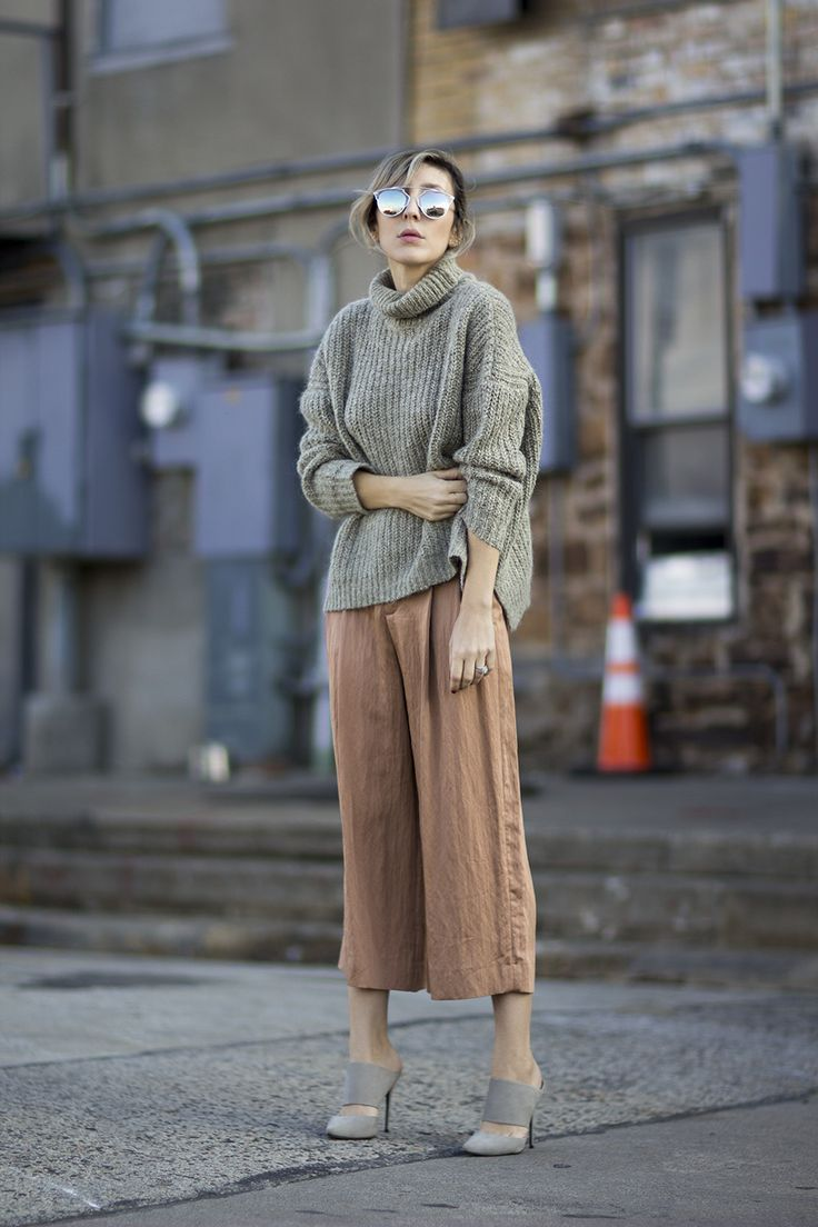 ribbed turtleneck, dusty rose cropped pants & grey suede mules #style #fashion