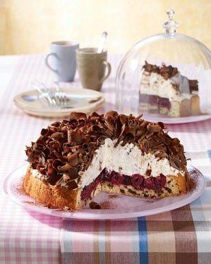 Das Rezept für Stracciatella-Kirsch-Torte und weitere kostenlose Rezepte auf LECKER.de