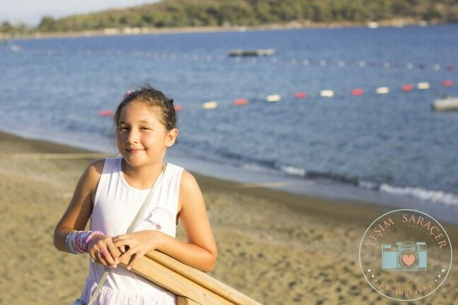 #girl #photosession #yesimsaracerphotography #cocukfotografcisi #beach #holiday #tatil #fotografci #kidsphotography