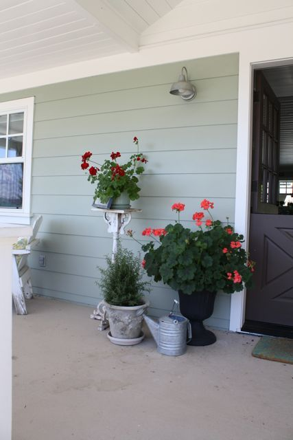 17 best images about front porch ideas and decor on for Cute front porches