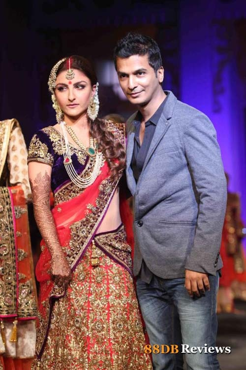 Bollywood actress Soha Ali Khan walked the ramp on Day 5 of the third edition of Aamby Valley India Bridal Fashion Week in Mumbai for designer Vikram Phadnis.