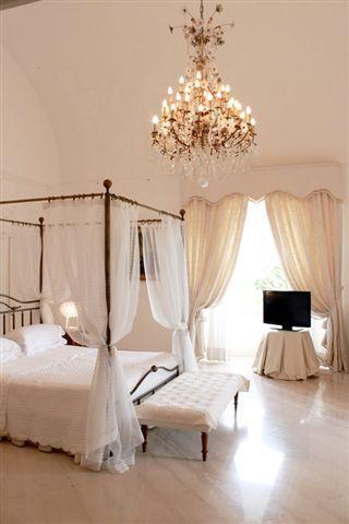 Villa Gardenia, sea front luxury villa rental with pool in Capri Island, Italy