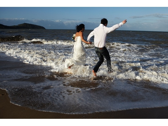 A wedding in Palm Cove, Queensland. Photo by Leo Farrell
