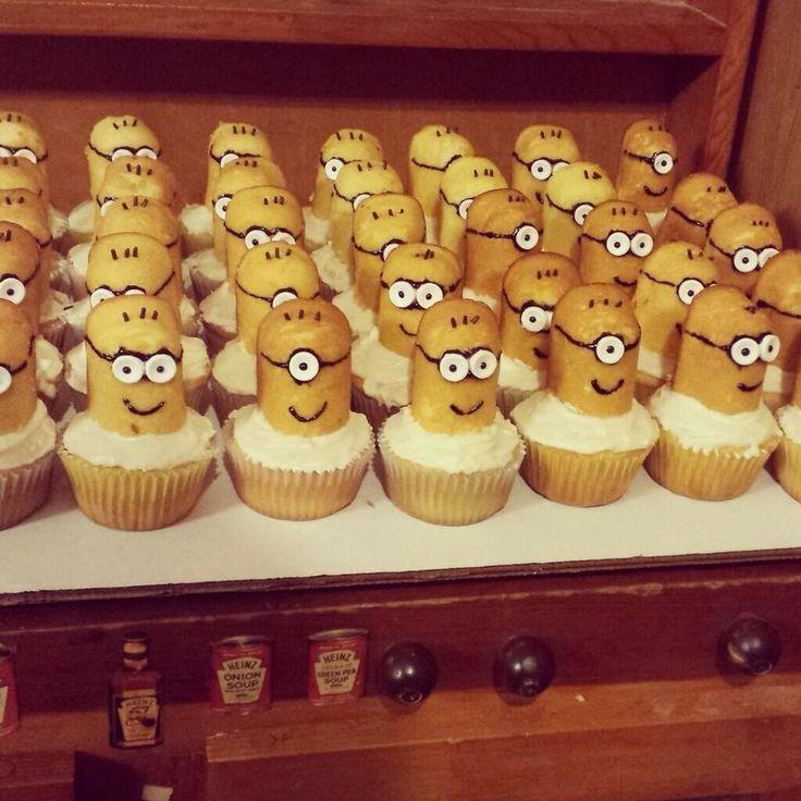 Minion Twinkie cupcakes!!