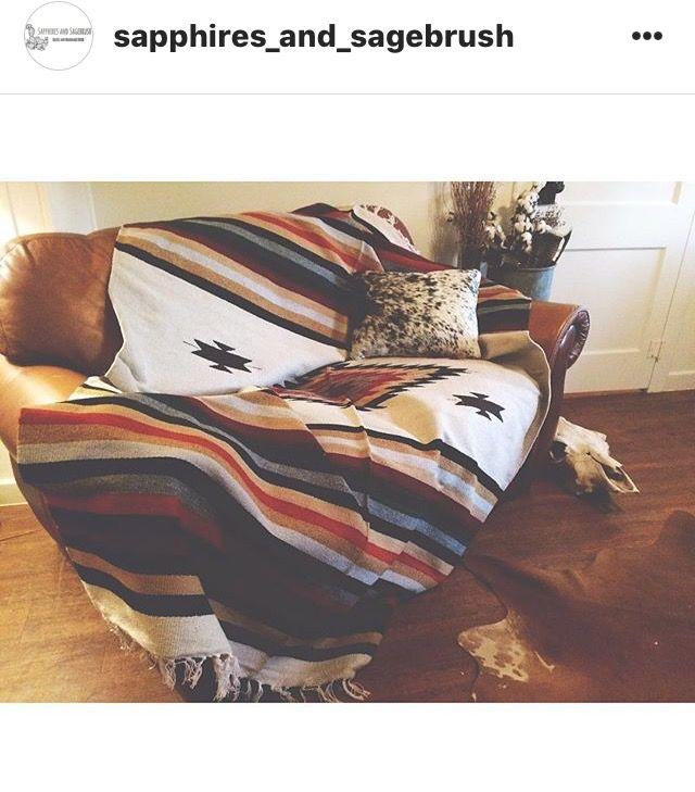 Santa Fe throw - round comfy chair