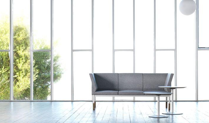 «По заданию компании JOHANSON нужно было создать систему диванов, обладающую максимальной гибкостью использования. Мне сразу же представился легкий и элегантный диван с деревянными деталями, выдержанный в характерном скандинавском стиле», - говорит Александр Лервик.