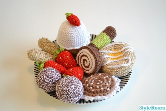 Crochet cakes (SWE)