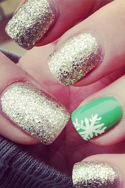The Christmas Edit: Christmas Nail Designs #Christmas #NailArt #ChristmasNails Red instead of green