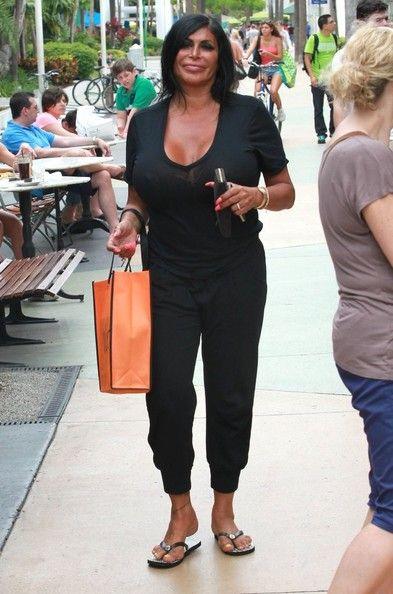 Angela Raiola Shops in Miami — Part 2