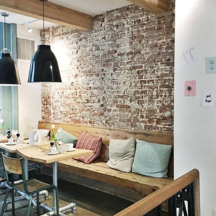 Idee voor muur kelder: bankje in hoek