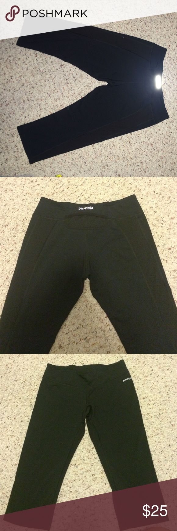 Patagonia leggings Great condition has breathable mesh panels on the back sides Patagonia Pants Leggings