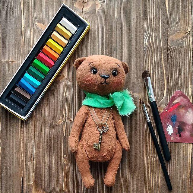 Последние штрихи 🖌😊 Макияж для мишутки Сонечки. Полин @polli_kudri , вот для чего мне кисти нужны были )) #мишкатедди #подарокнадр  #купитьтедди  #мишкавподарок #когдавсеесть  #чтоподаритьнаденьрождения #teddybears  #teddy