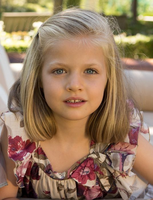 Her Royal Highness the Princess of Asturias, Leonor de Borbón y Ortiz, is the elder daughter of Their Majesties King Felipe VI and Queen Letizia. She was born in Madrid on 31 October 2005.  She became the Heir to the Throne on the proclamation of her father as King on 19 June 2014. Pursuant to Art. 57.2. of the Constitution, she holds the titles of Princess of Asturias, Princess of Girona, Princess of Viana, Duchess of Montblanc, Countess of Cervera and Lady of Balaguer.