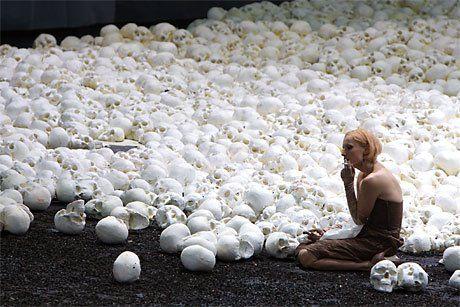 Google Image Result for http://www.scena.org/blog/uploaded_images/Macbeth_-Sonnambulismo-786438.jpg