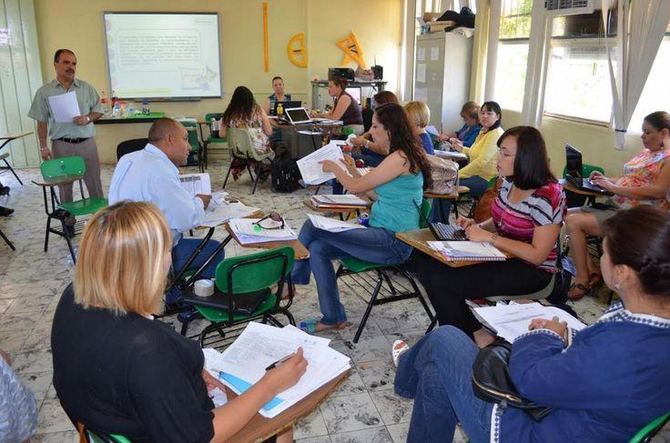 Realizan última sesión de consejos técnicos escolares | El Puntero