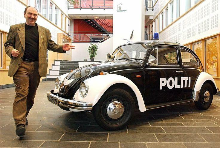 Pelle politibil har sinn egen Identitet, ingen kan erstatte han, han er en symbol i Bodø. (kjendis)