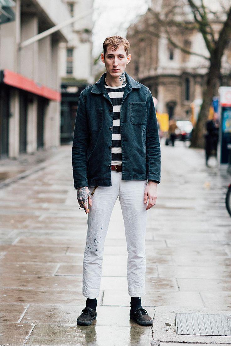 ブラックデニムカバーオール×紺白ボーダーニット×白パンツ×VANSオーセンティック全黒 | メンズファッションスナップ フリーク | 着こなしNo:138109