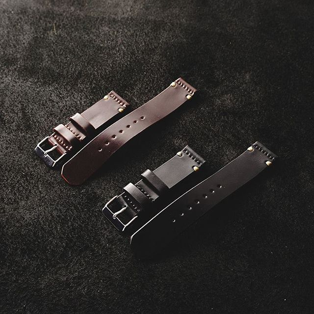 [New Release] • Made from Horween Genuine Shell Cordovan® combined with high-polish stainless steel buckle. • Available to order via our webstore with 3 different sizes : 20, 22, 24 mm. • PLEASE NOTE: This item is very LIMITED and will be processed with Pre-Order System. • Expected delivery time: two weeks after batch of production starts.  #Voyej #JourneyStartsHere #Horween #Cordovan #watchstrap