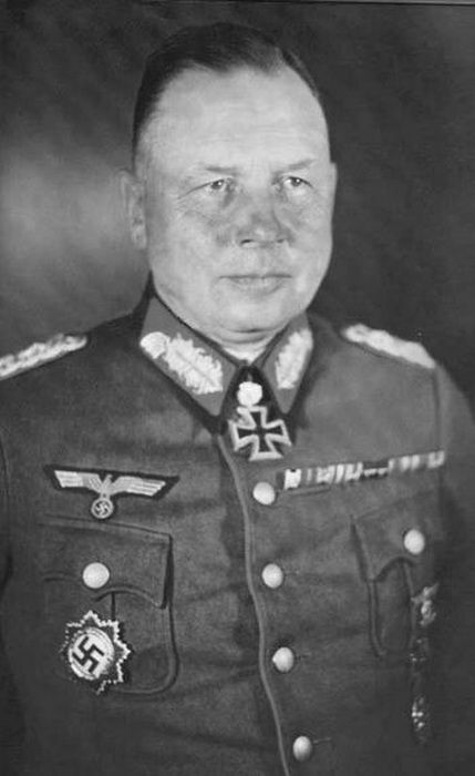 ■ Maximilian Ludwig Julius Franz Fretter-Pico (6 February 1892 – 4 April 1984) - General der Artillerie