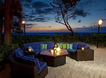 Jupiter Beach Resort & Spa - Hotels.com - Hotel rooms with reviews. Discounts and Deals on 85,000 hotels worldwide