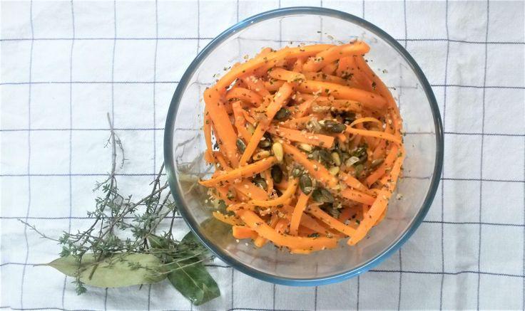 Voici une idée de plat réalisé rapidement à base de carotte et de graines en tous genres. C'est un plat diététique, végétalien, sans artifices et bon pour la santé. L'association des gr…